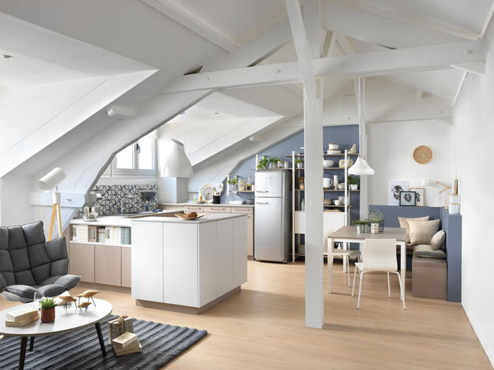 cuisine sous pente avec façades tissées JERSEY coloris gris et blanc