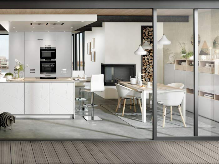 cuisine ouverte coloris blanc et bois