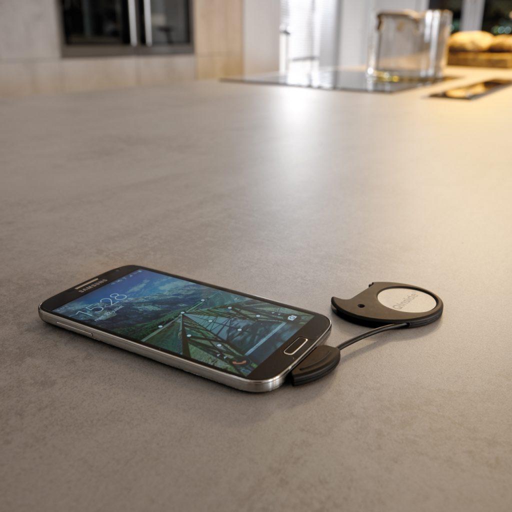 Si votre téléphone n'est pas compatible, nous avons également pensé à un mini chargeur