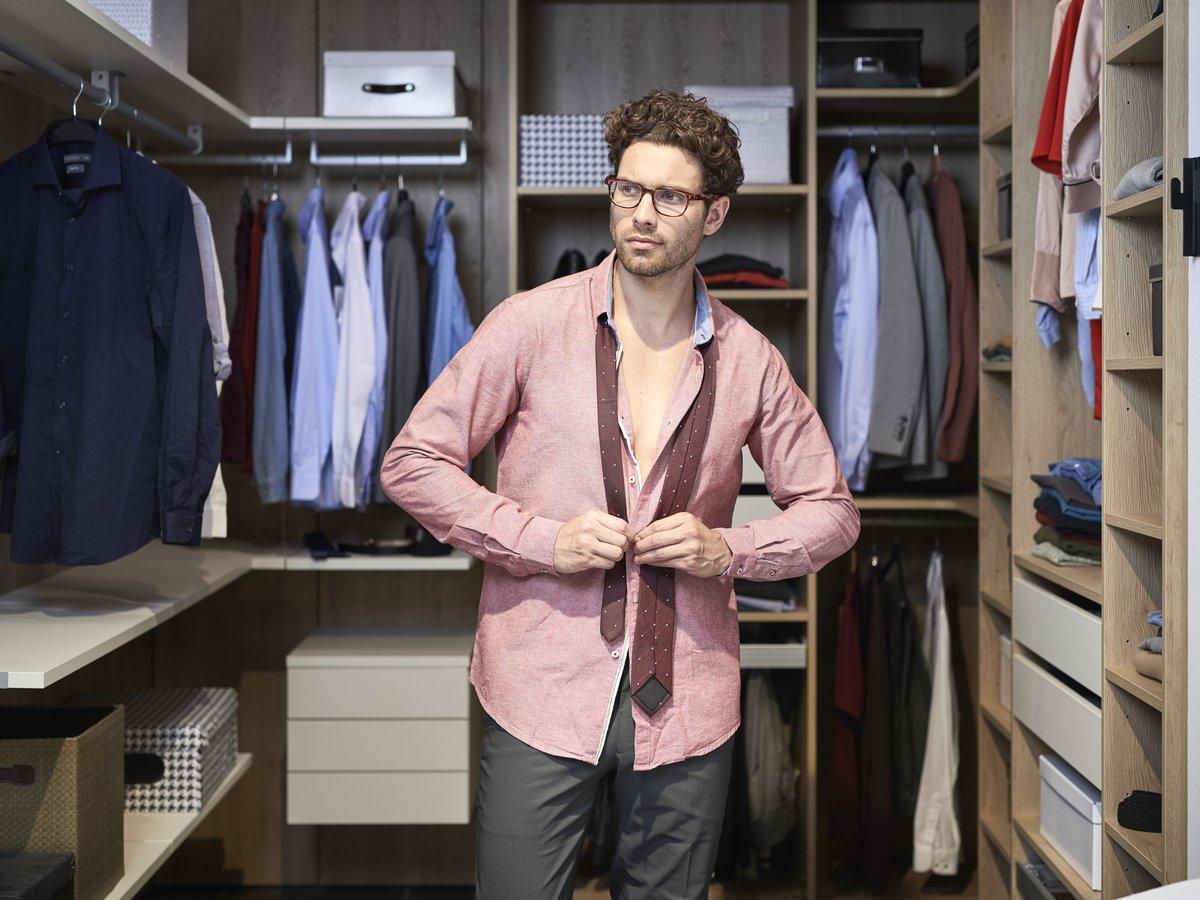 Organiser son dressing, selon son style.
