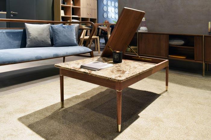 Table basse multifonctionnelle Segmento, avec un espace de stockage caché sous le plateau de table, de Mr. North.