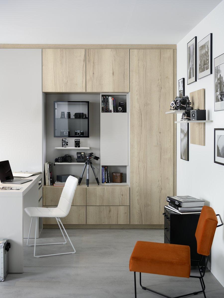 Espace de bureau dédié pour matériel photographe