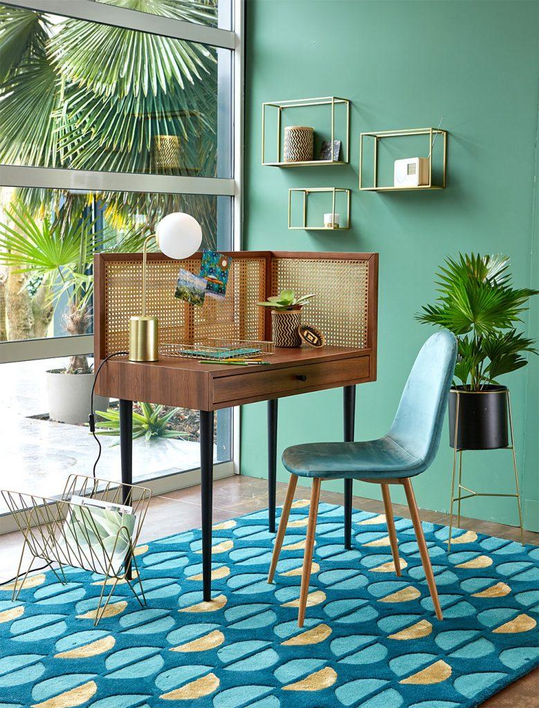 petit bureau en rotin, décoration d'intérieur