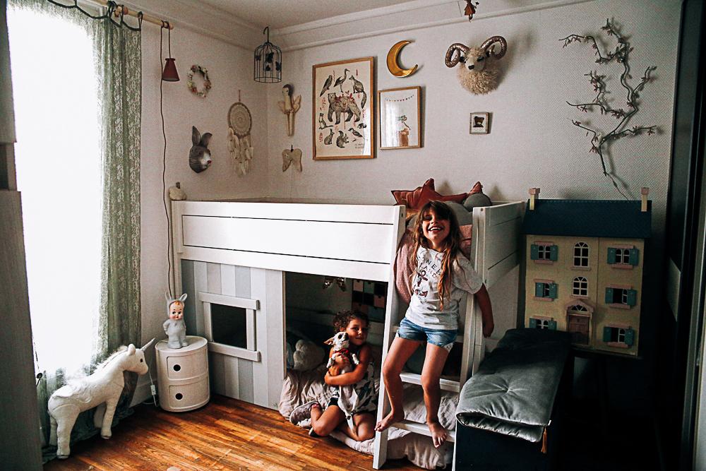 chambre d'enfants sur mesure bois et blanc