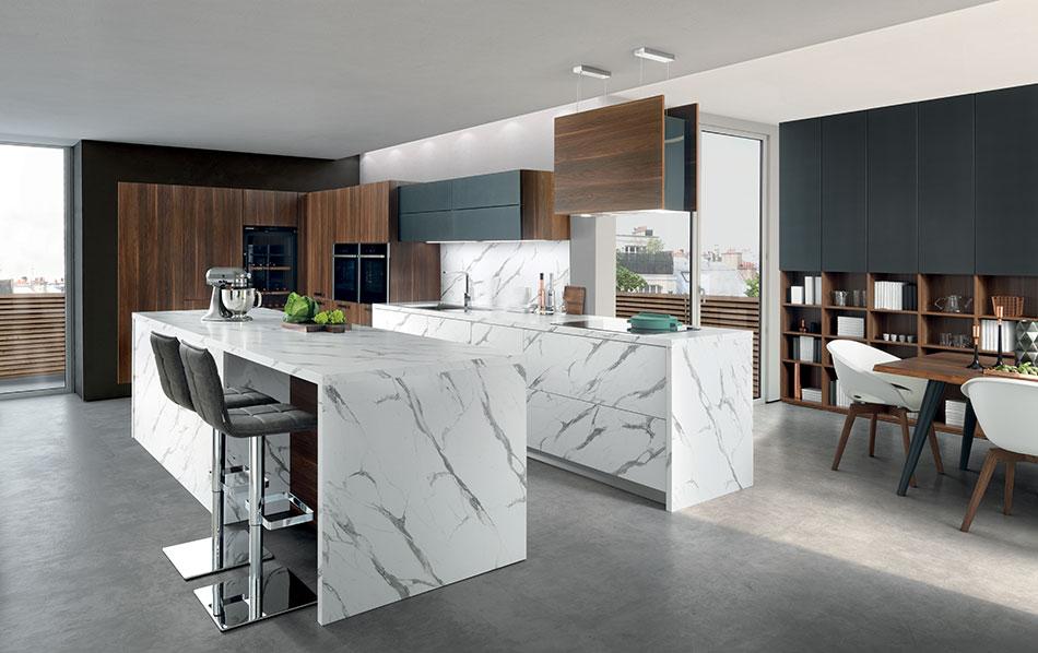 cuisine sur mesure avec îlot central effet marbre