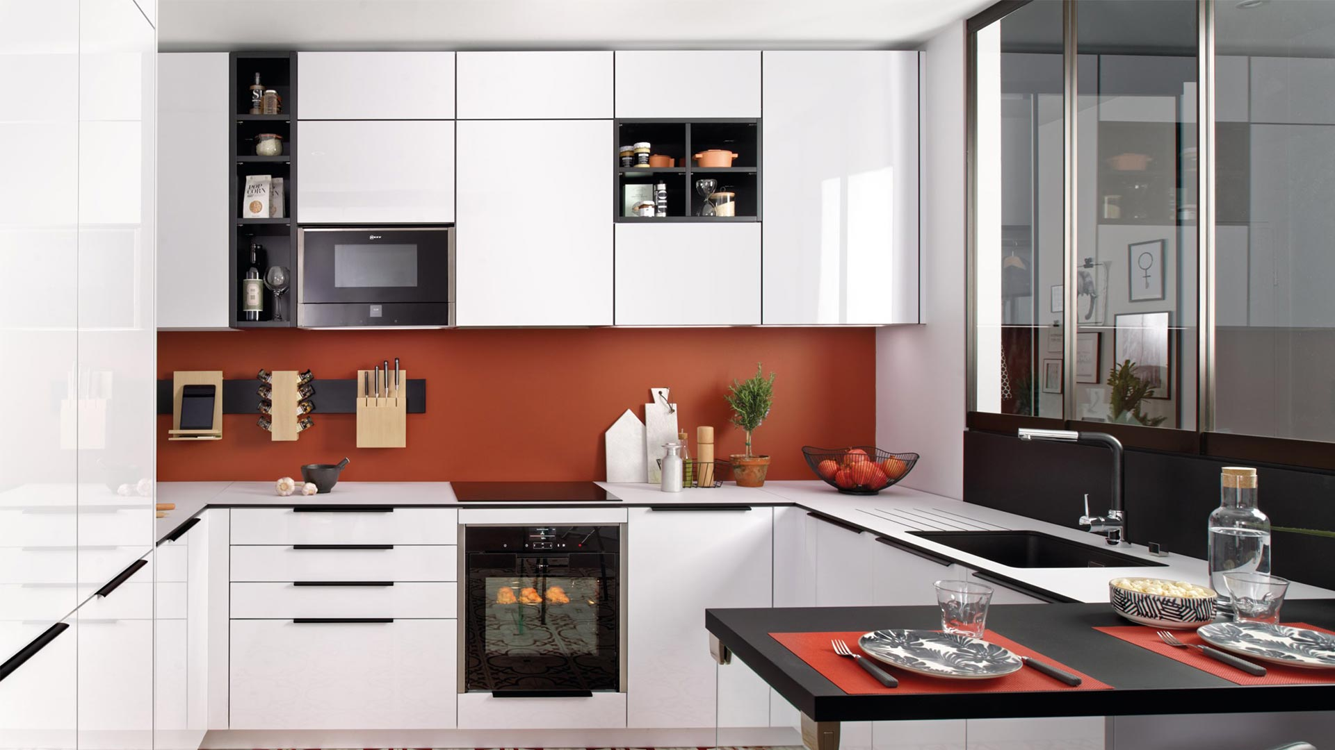 cuisine petit espace design avec verrières
