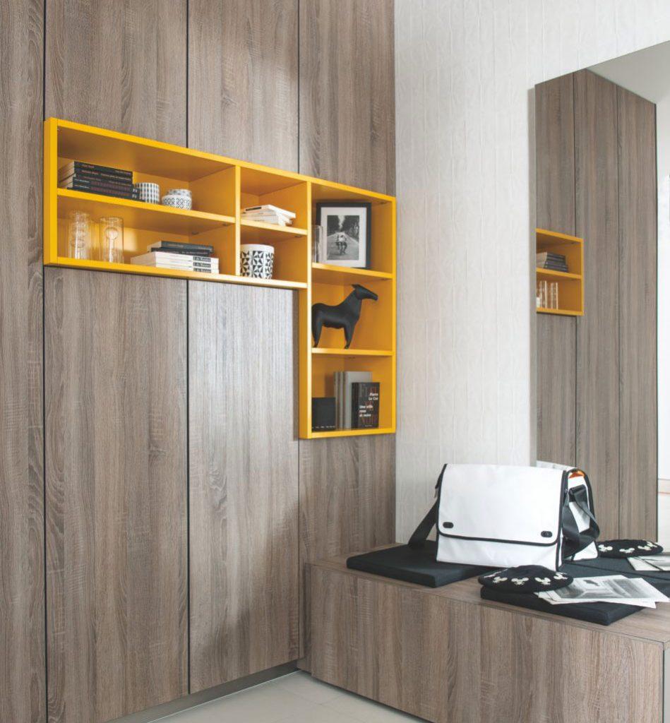 placards et meuble bas avec l'insert niches ouvertes en coloris contrasté