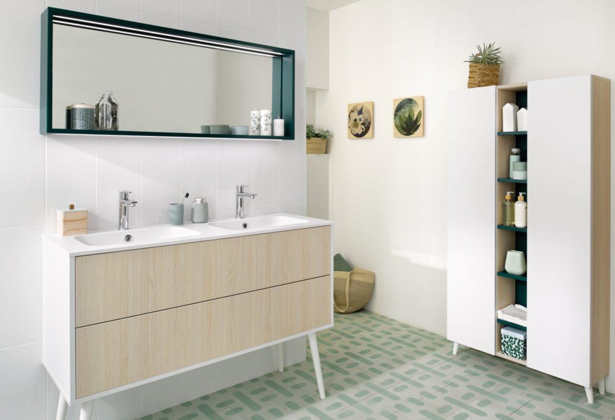 meuble de salle de bains moderne blanc et bois clair