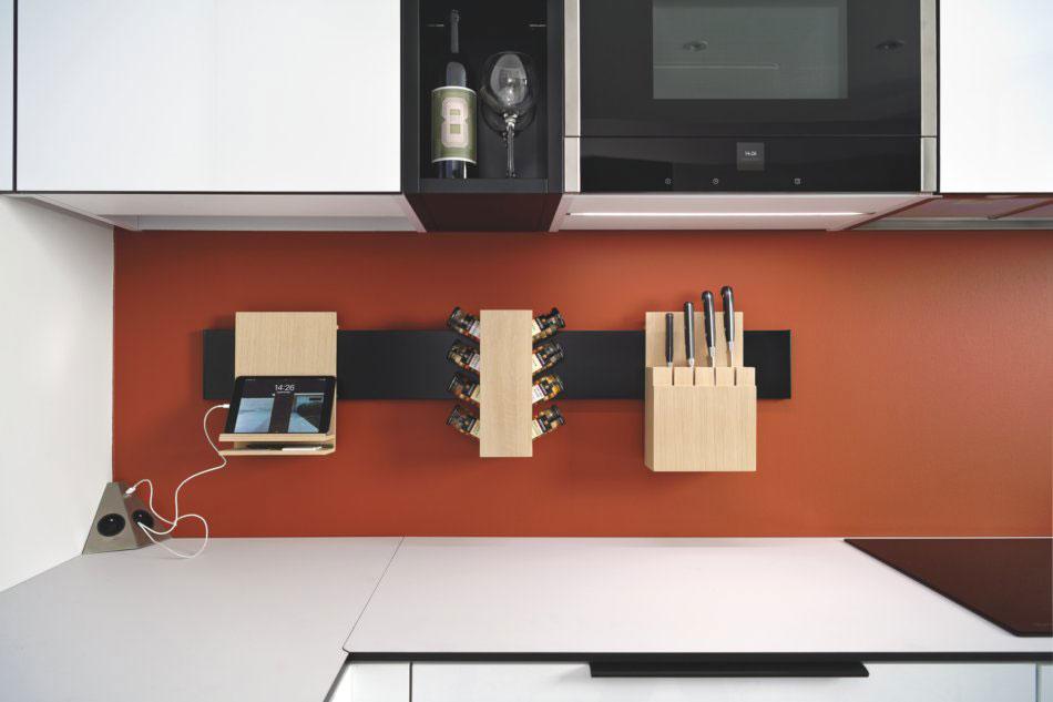 Credence de cuisine petit espace design avec accessoires