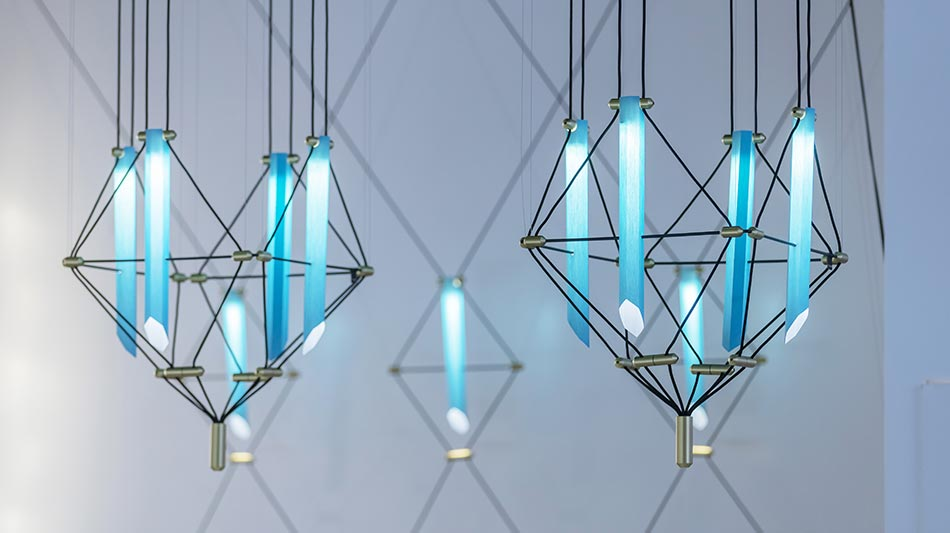 luminaire composé de divers modules en verre soufflé