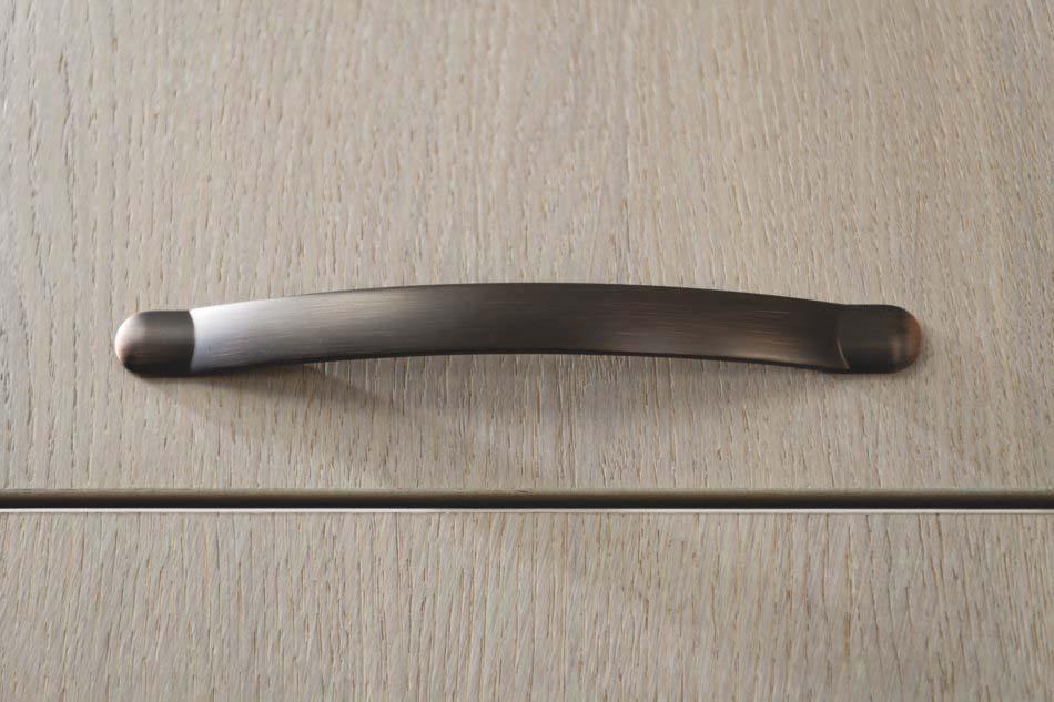 Poignée finition cuivre brossé style traditionnel rustique imitant une sangle