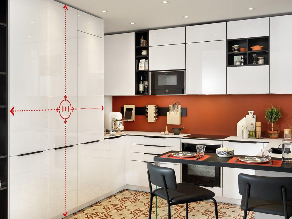 Cuisine petit espace avec rangement toute hauteur