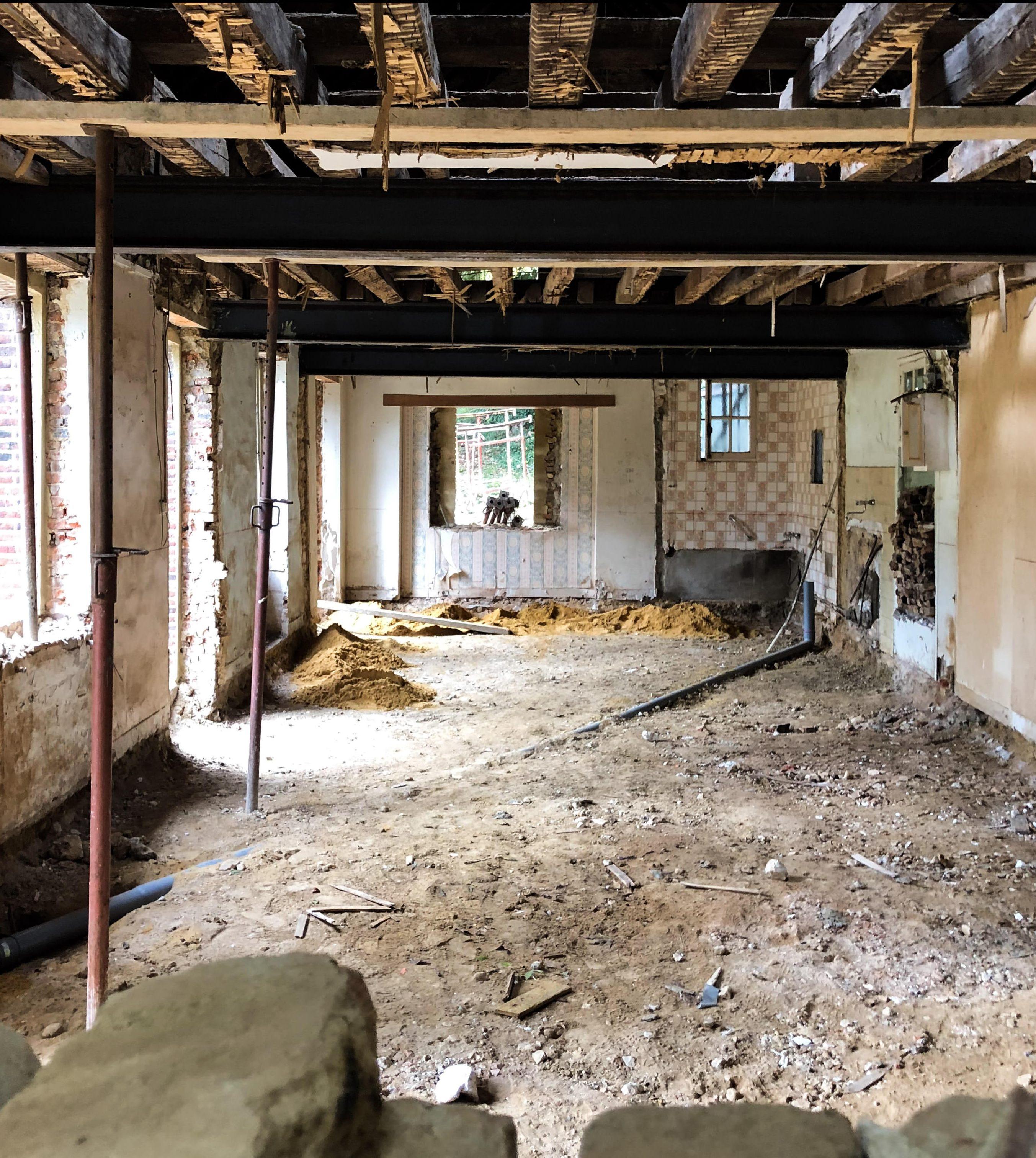 Intérieur de la maison en travaux.