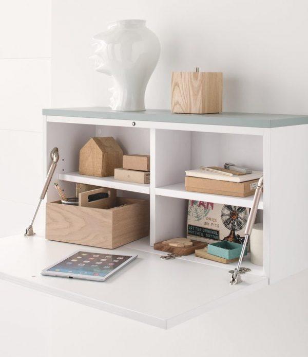 Bureau à abattant idéal pour une petite chambre.