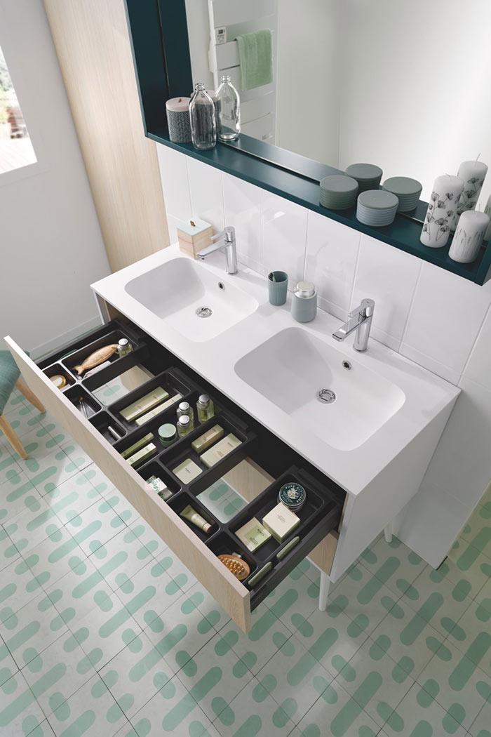 Meuble double vasques avec large tiroir pour rangement