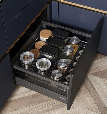 Meuble bas avec tiroirs équipés d'organisateur