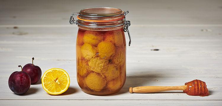 recette prunes au sirop conservé dans bocaux le parfait