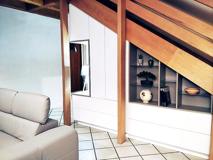 Meuble sous escalier blanc réalisation Schmidt Epinal