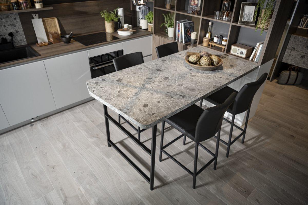 table de salle à manger esprit pierre terrazzo