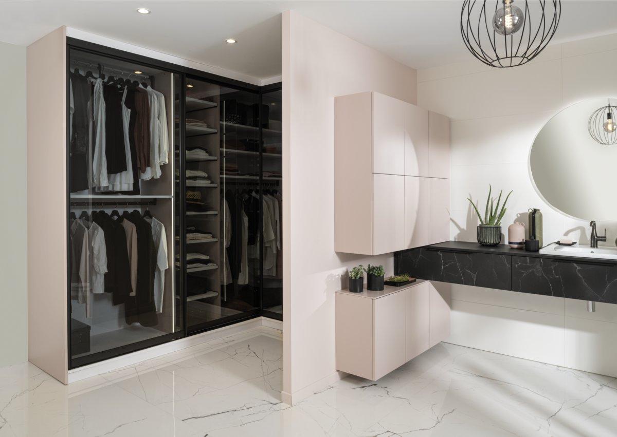 salle de bains et dressing d'angle coloris rose poudré