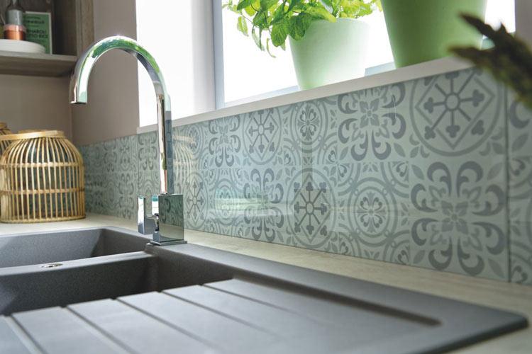 Crédence en verre motif mosaik