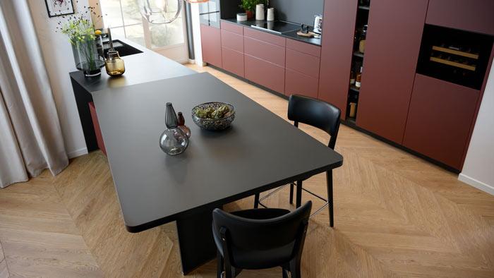 table de cuisine avec plateau en stratifié