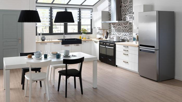 table blanche rectangulaire de cuisine