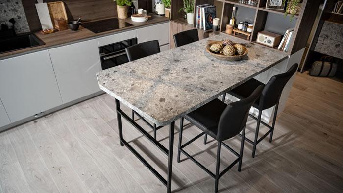 table de cuisine aspect terrazzo minéral sur mesure